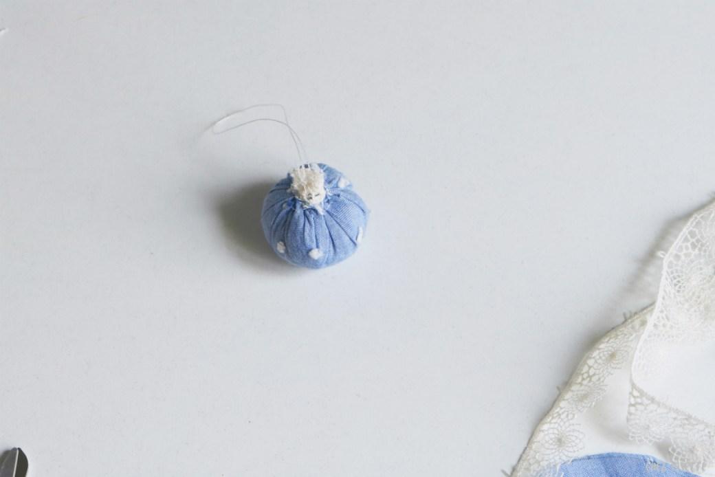 Chez Lisette DIY boules de Noël en tissu 11