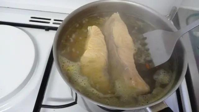 pocher du saumon