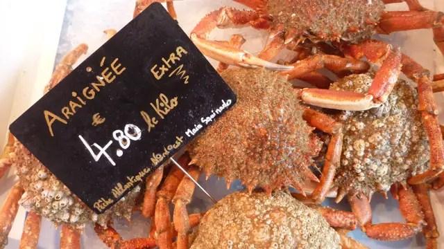Araignées de mer sur le marché