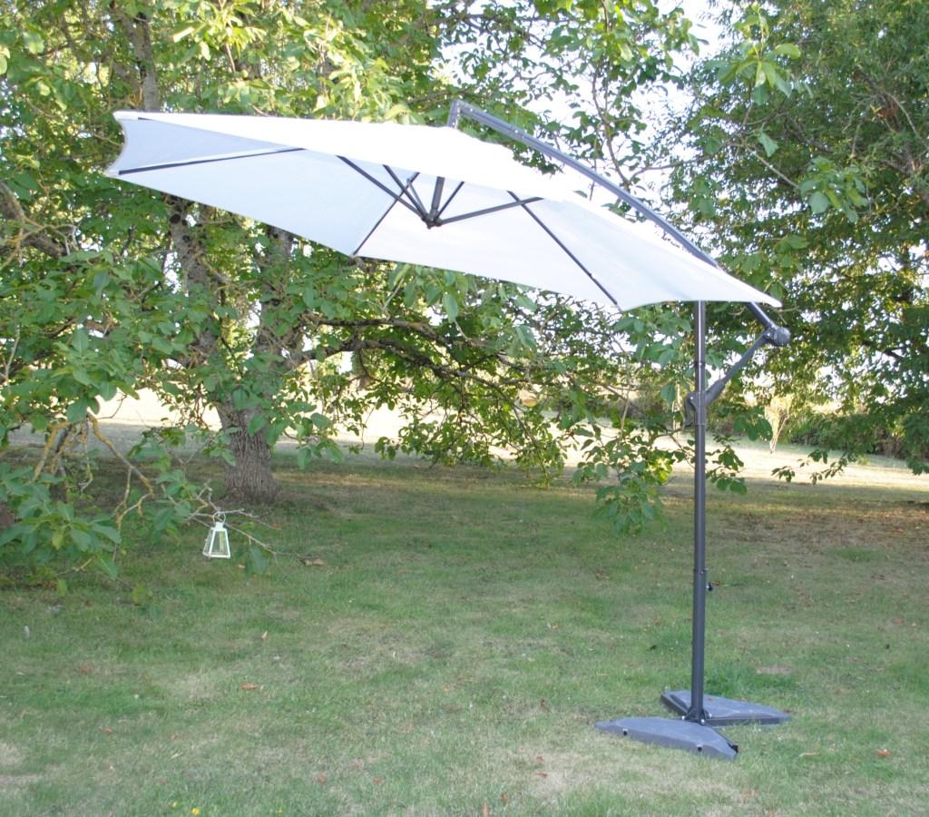 Location parasol blanc 37 Tours indre et loire région centre 75 paris