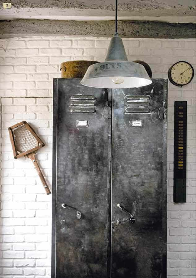 vestiaire d usine patine au graphite 2 - Style industriel très en vogue
