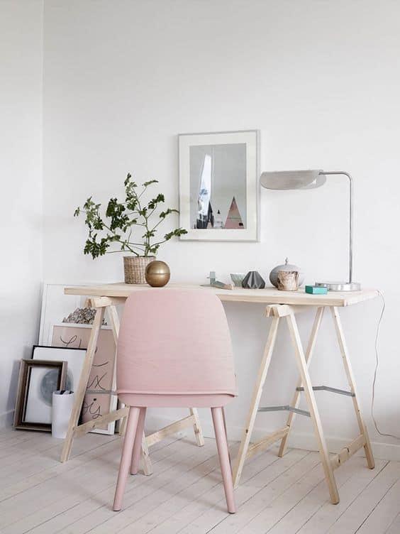 un bureau simpliste dans un petit espace - Pinterest : installer un bureau dans un petit espace