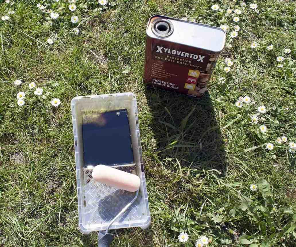 lassure bois avec rouleau - Apprendre à fabriquer un carré potager autour d'un DIY