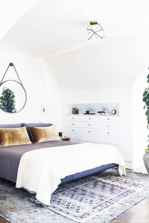 petite chambre avec rangement sous combles - 6 règles à suivre pour réussir la déco d'une petite chambre