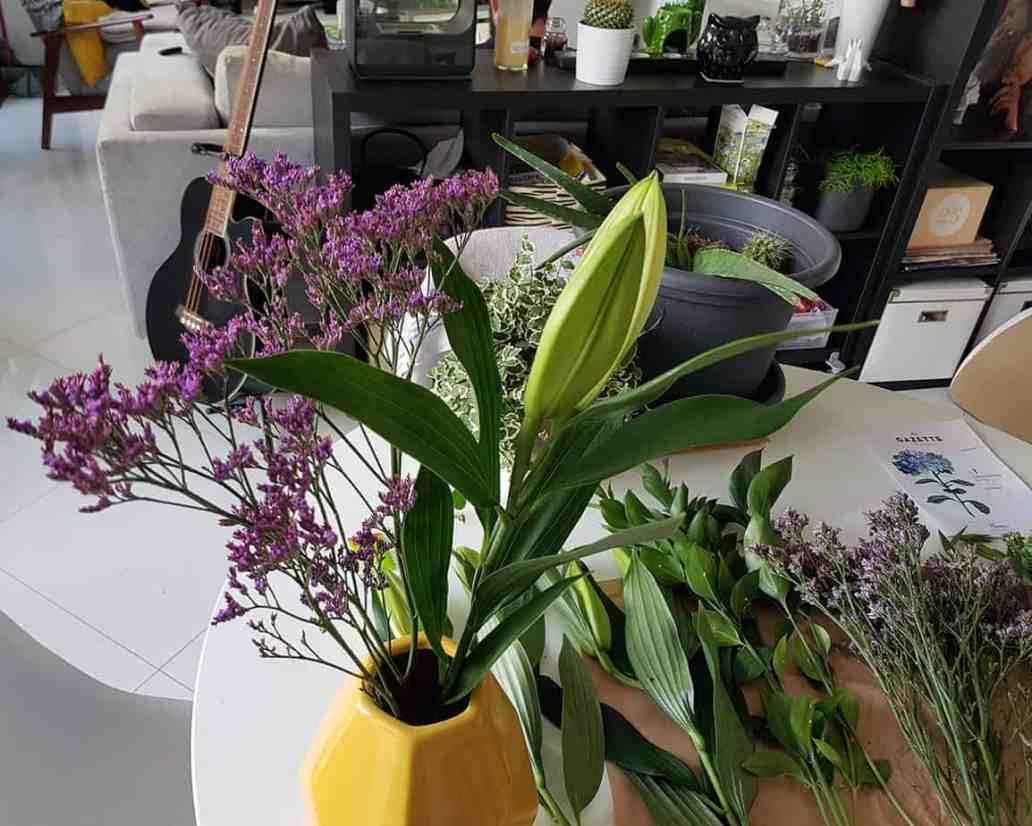 lys dans vase pour fleurs blooms - Bloom's, une box de fleurs remplie de charme