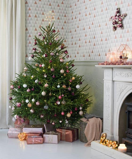 sapin deco pastel noel - Le sapin de Noël : comment réussir à le décorer ?