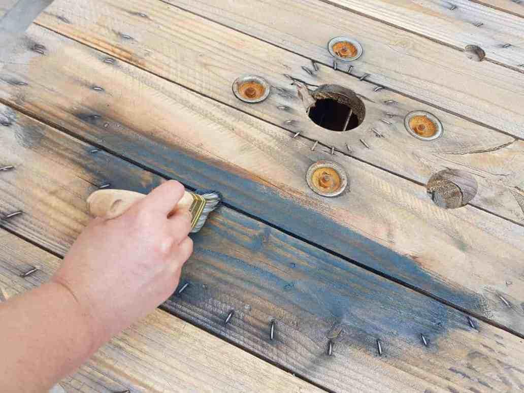 20180715 153838 2048x1536 - Aménager un coin terrasse avec des objets récupérés