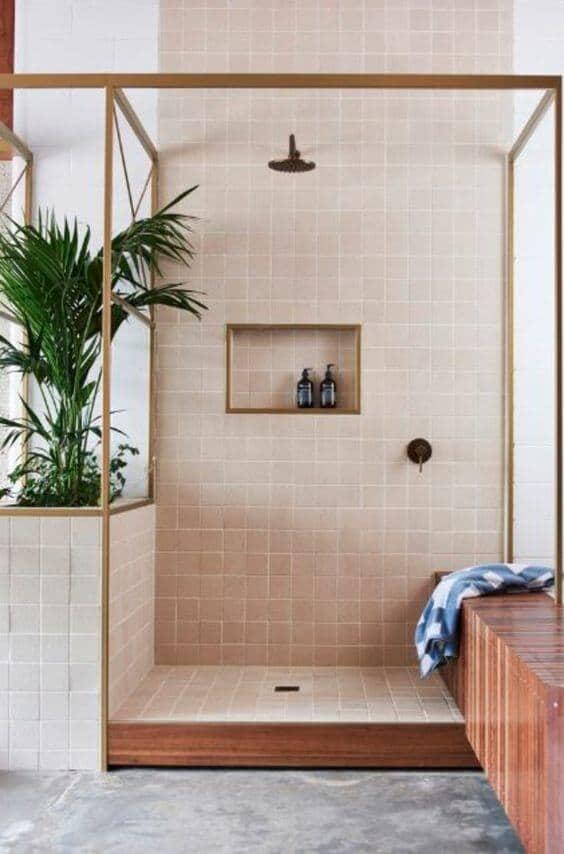 une douche à litalienne réussie sans paroi de douche - La recette pour une douche à l'italienne réussie