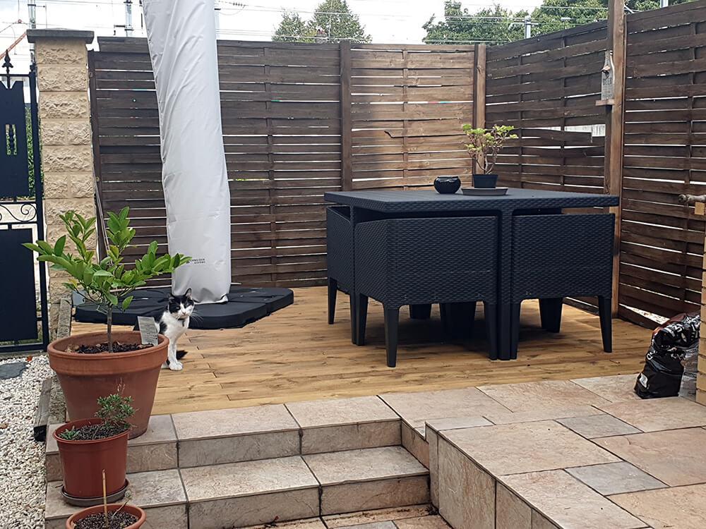 Terrasse en bois avec une décoration moderne - Construire une terrasse en bois