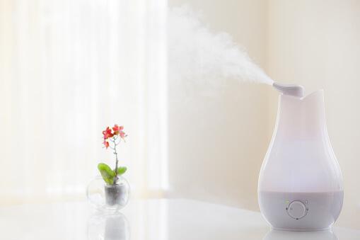 humidificateur d air sur fond épuré - Humidité de l'air : découvrez le guide complet