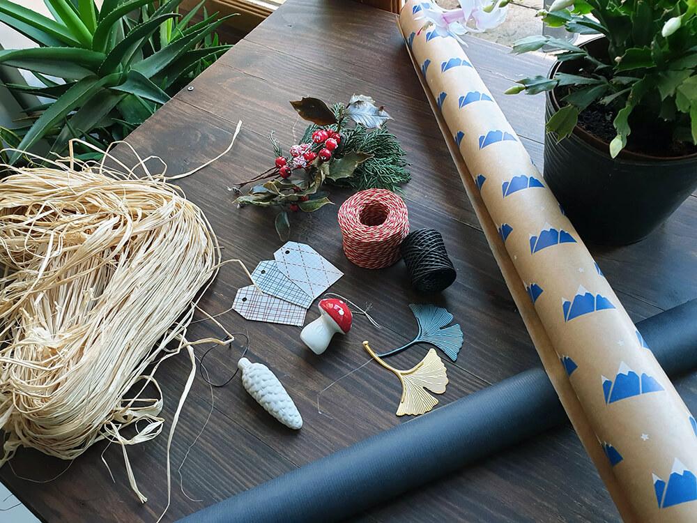 matériel nécessaire pour composer des emballages cadeaux zéro déchet pour Noël - 7 idées d'emballage cadeau zéro déchet faciles à reproduire