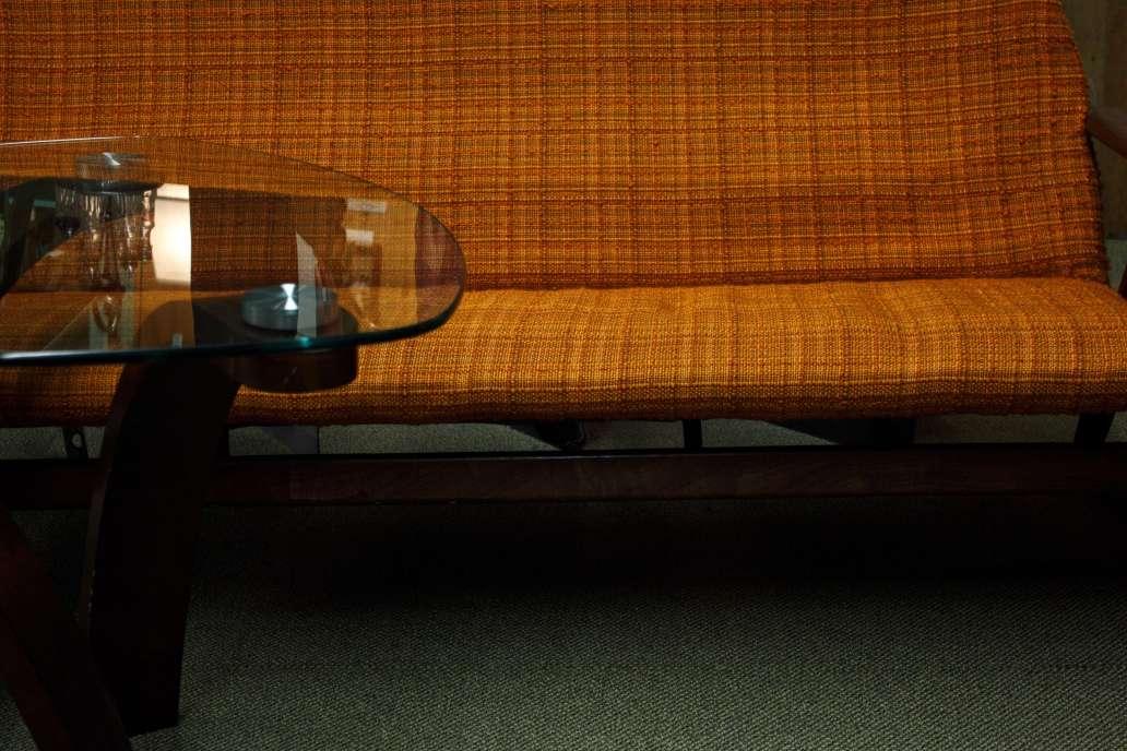 matthew wiebe ExPwRM5m33o unsplash 2 2048x1365 - DIY : Comment fabriquer sa table en verre soi-même?