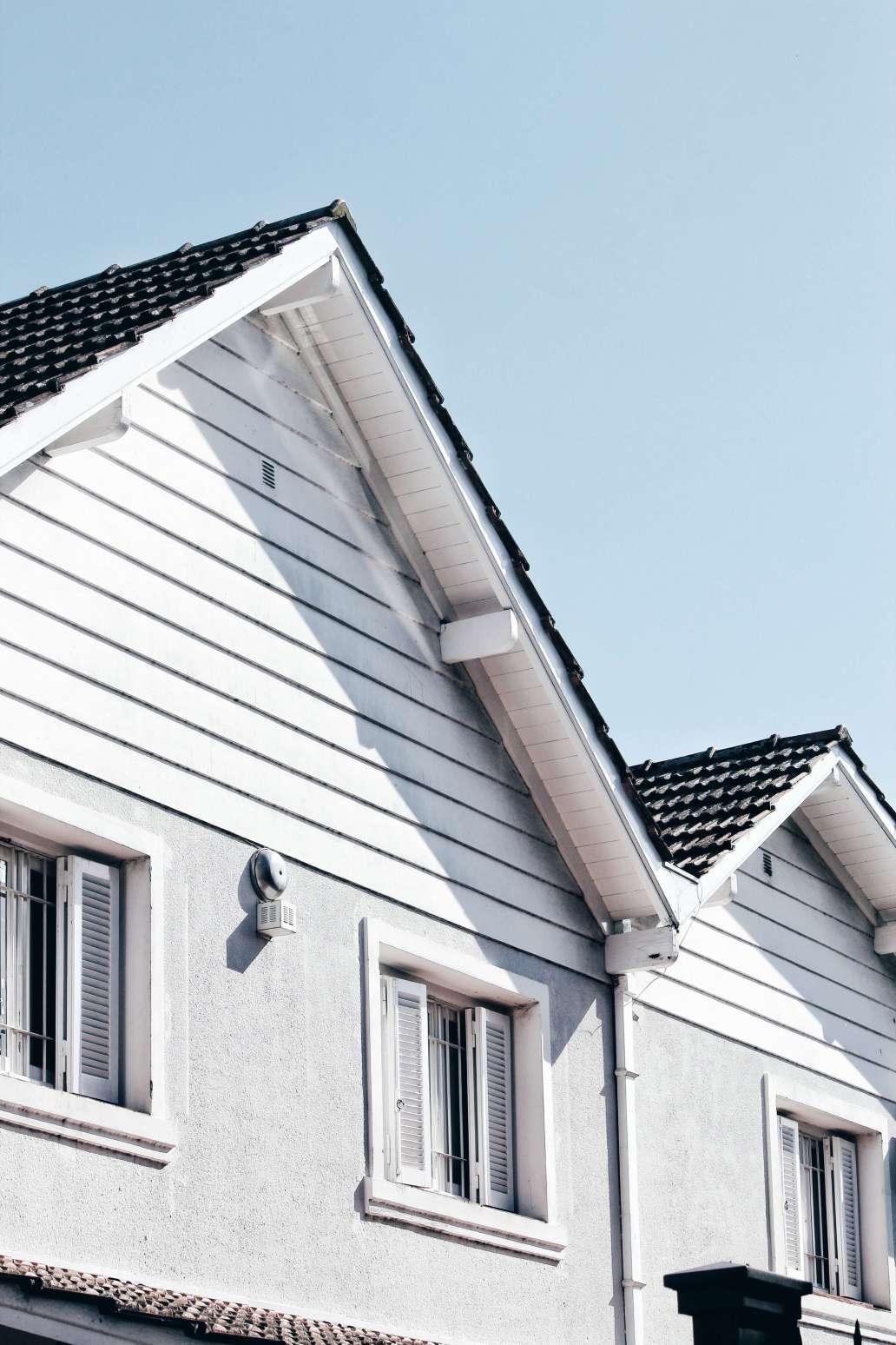 julian gentilezza ctUWE7BUEzE unsplash 2 1365x2048 - La rénovation de la toiture avant la vente immobilière