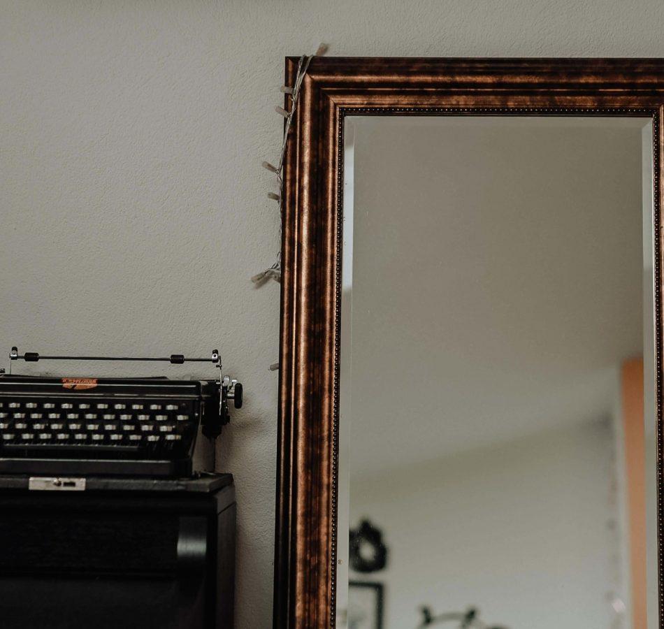 Retaper un miroir chiné