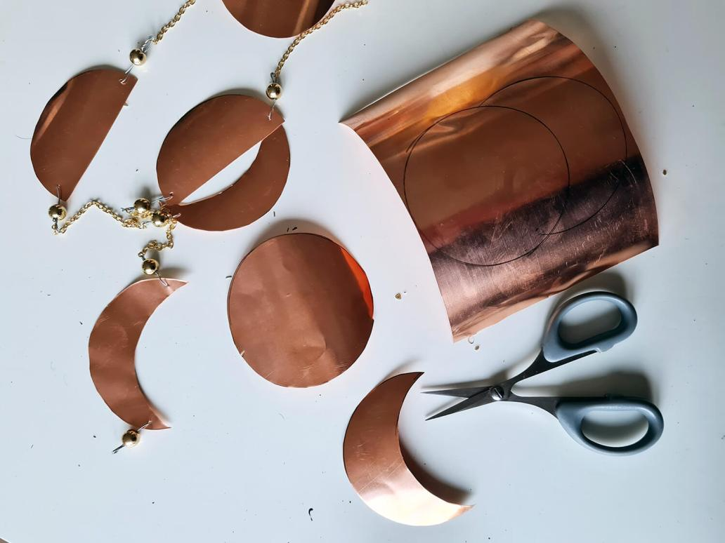 20201130 153452 - DIY déco : fabriquer un bijou de mur en cuivre