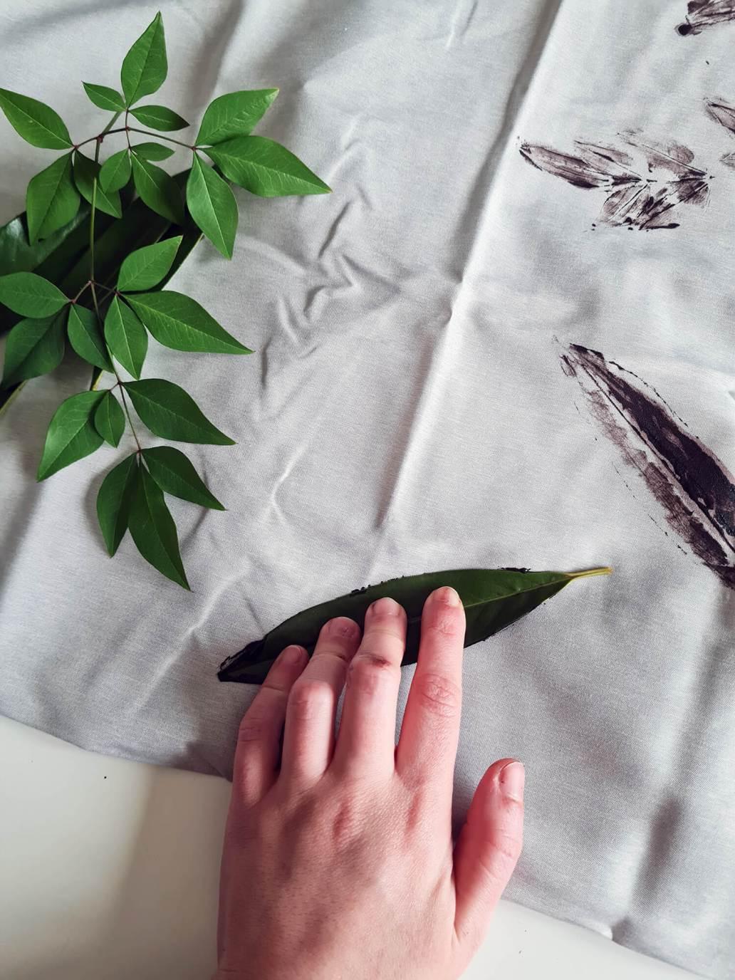 20210127 133643 - DIY : créer un coussin végétal avec des feuilles