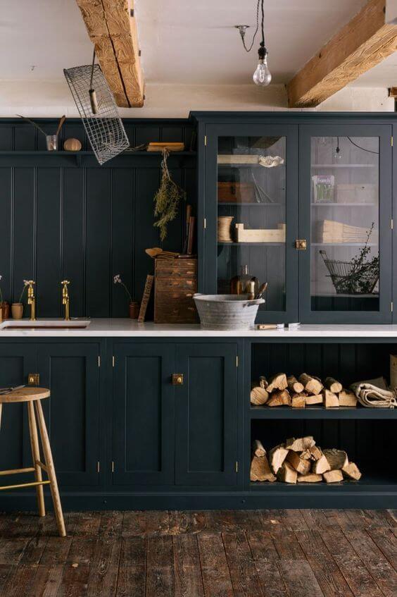 cuisine noire et bois style campagne - L'irrésistible cuisine noire : une inspiration moderne et tendance