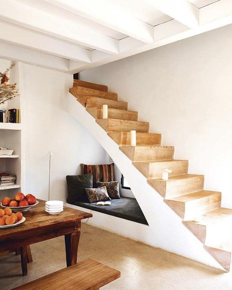 fc7c39e522f02e9fa158dfaaa6fdfb14 - Comment décorer et aménager le dessous d'un escalier ?