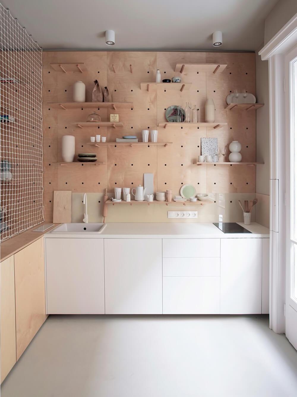 pegboard meuble haut cuisine - Le pegboard : un panneau déco qui nous rend accroc