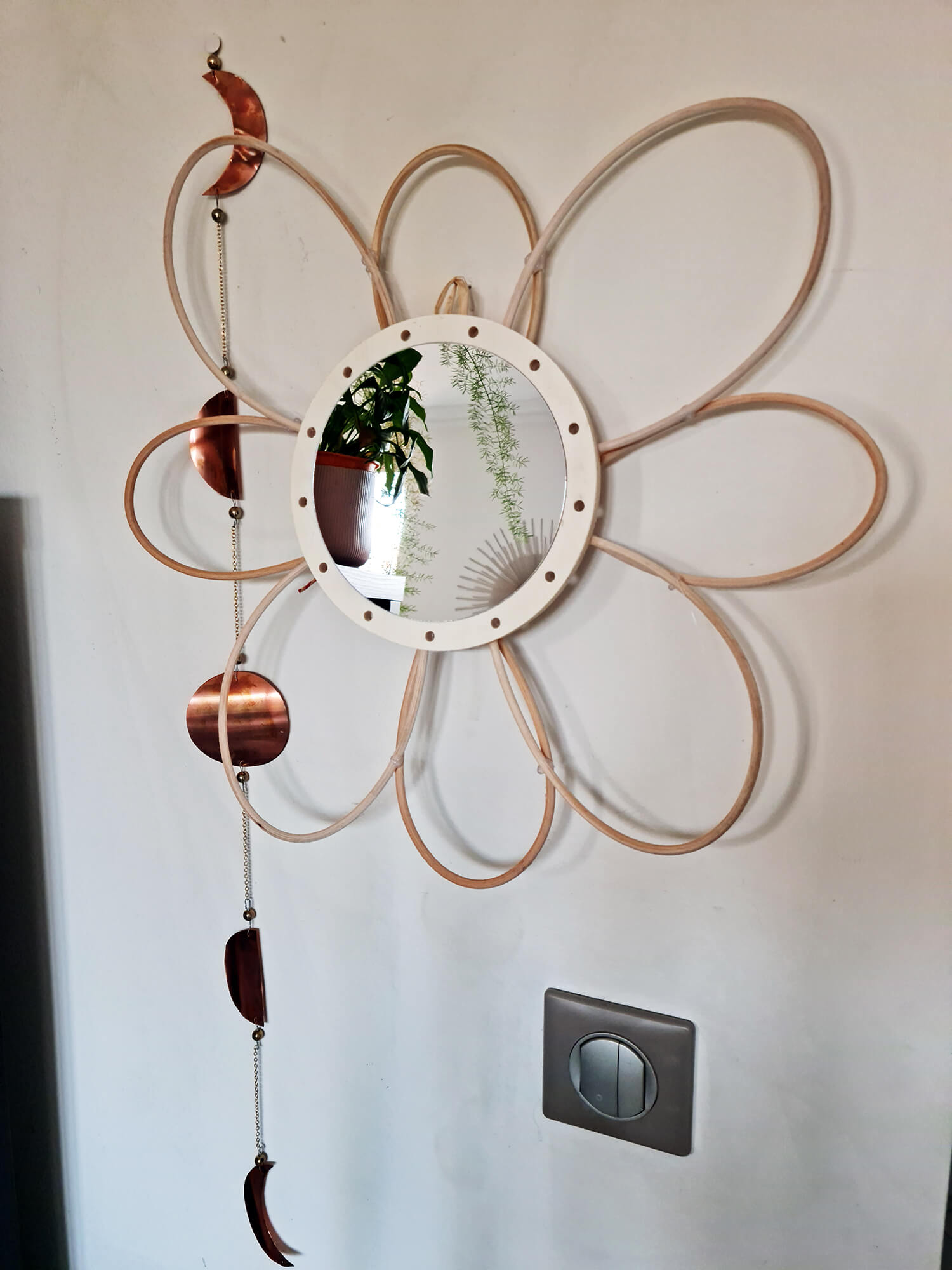 20210319 170922 - DIY déco : donner vie à des miroirs en rotin