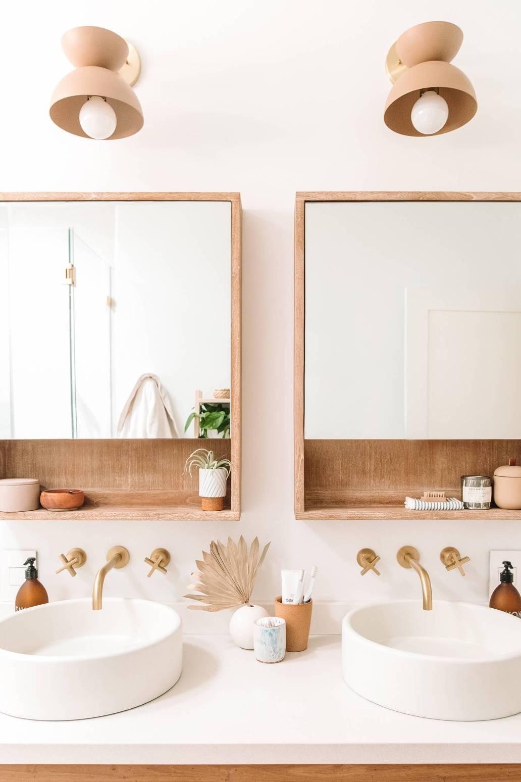 salle de bain bois ambiance slow living 1365x2048 - Tendance Slow life : découvrir la décoration Slow living ou la Slow déco ?
