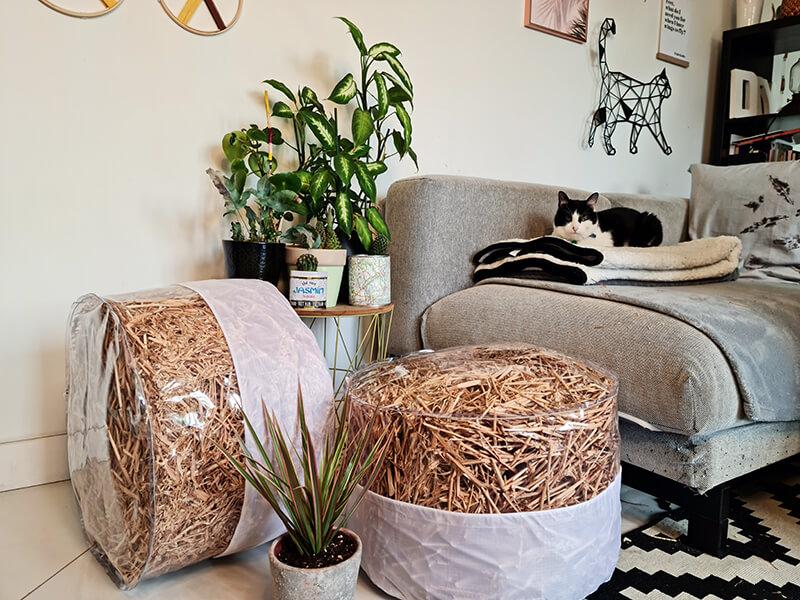 DIY jardin : Fabriquer un pouf original avec de la paille