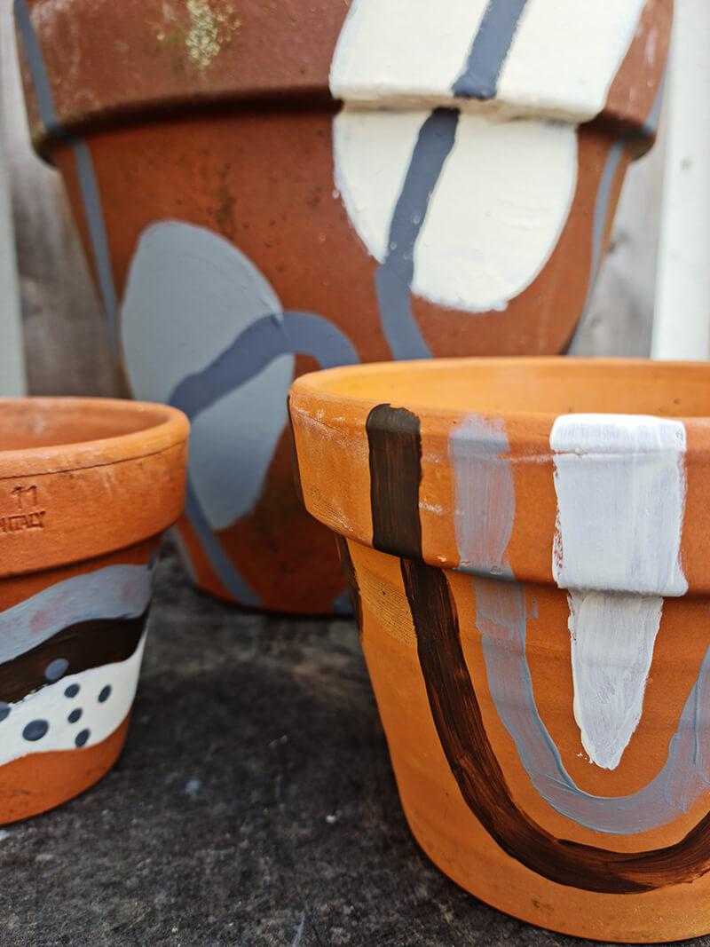 20210528 184805 - DIY jardin : comment personnaliser des pots en terre cuite