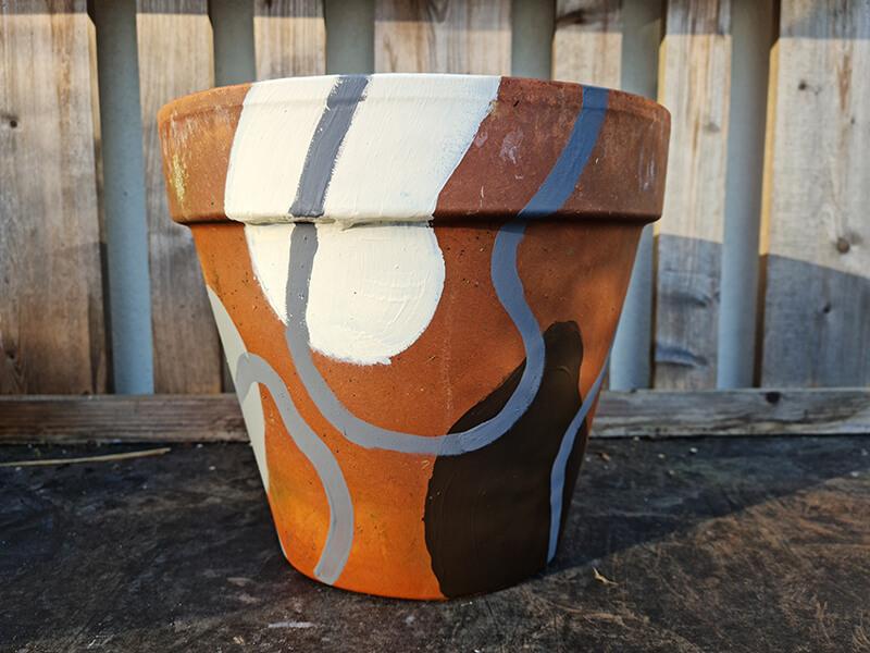 20210528 195528 - DIY jardin : comment personnaliser des pots en terre cuite