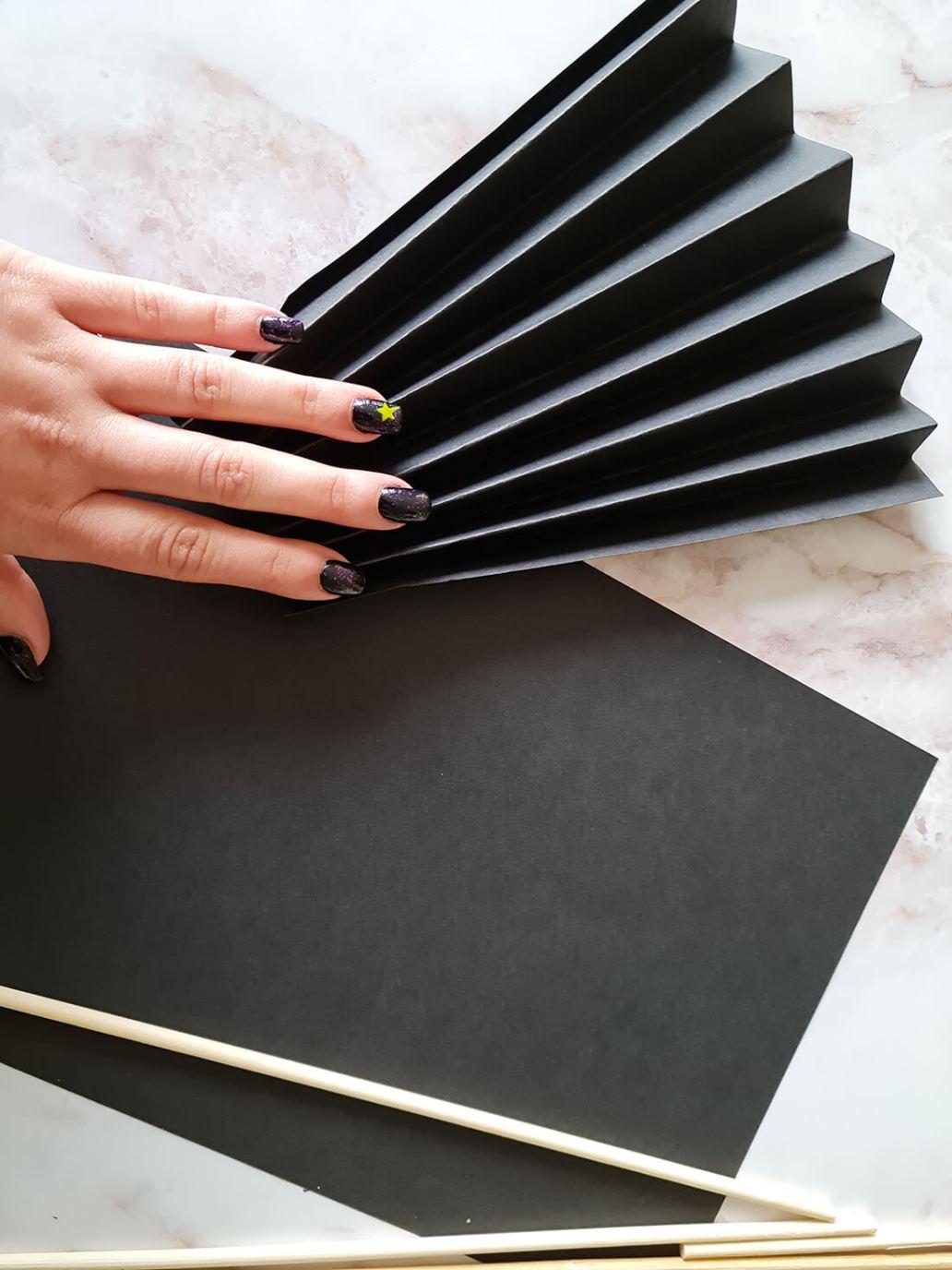 20210919 182827 - Fabriquer un lustre palmier avec des feuilles en papier