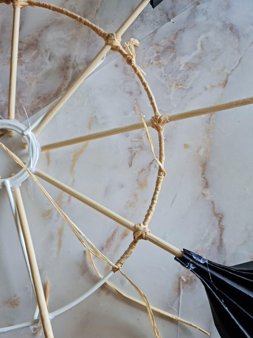 20210930 134117 - Fabriquer un lustre palmier avec des feuilles en papier