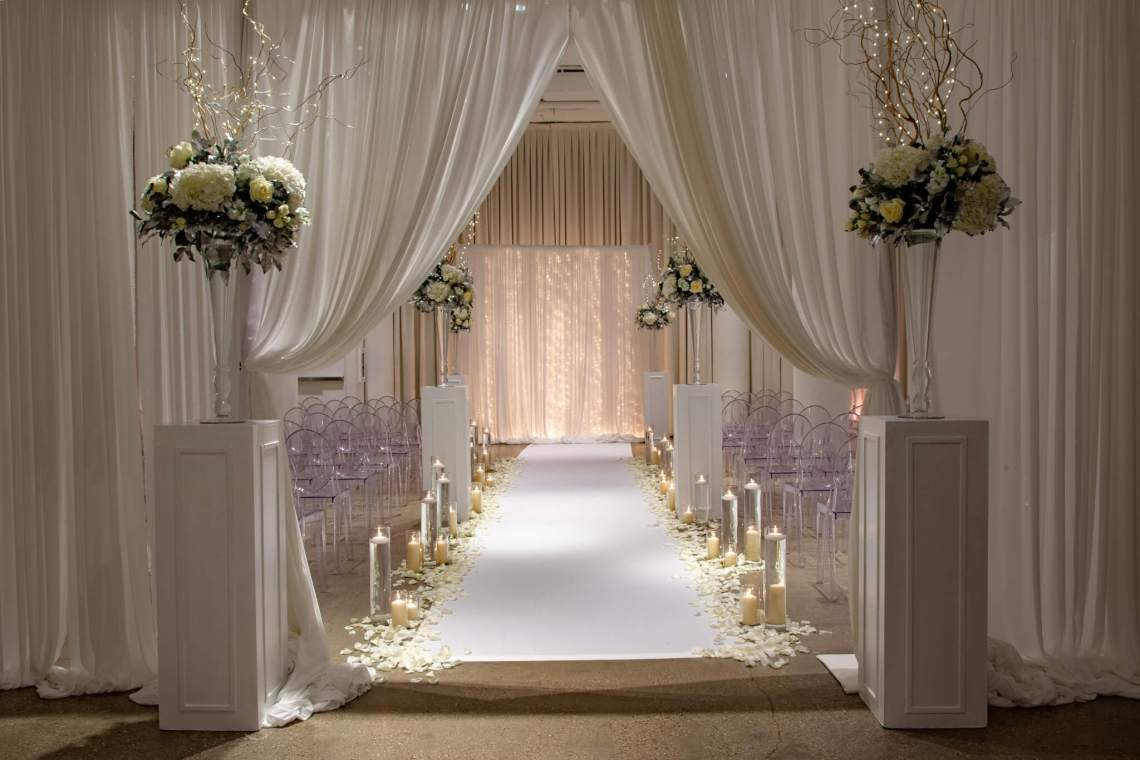 Modern wedding Ceremony | Chez | Chicago Wedding Venue