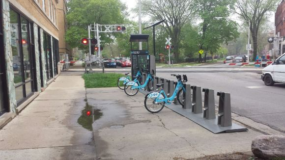 After: A Divvy station will keep the sidewalk for pedestrians. Photo: CDOT