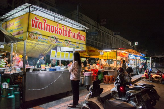 Chang Puak Night Market
