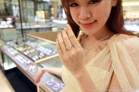招待。我們結婚吧~周大福珠寶之101次求婚大作戰!