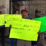 Ejidarios de Siltepec protestan frente al Congreso de Estado