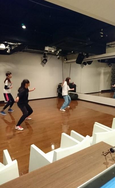 日曜日hiphop初級ダンススクール