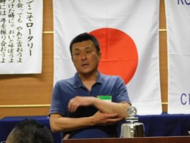 会員卓話1 秋山会員 久しぶりの例会参加の為、一番に指名されました。