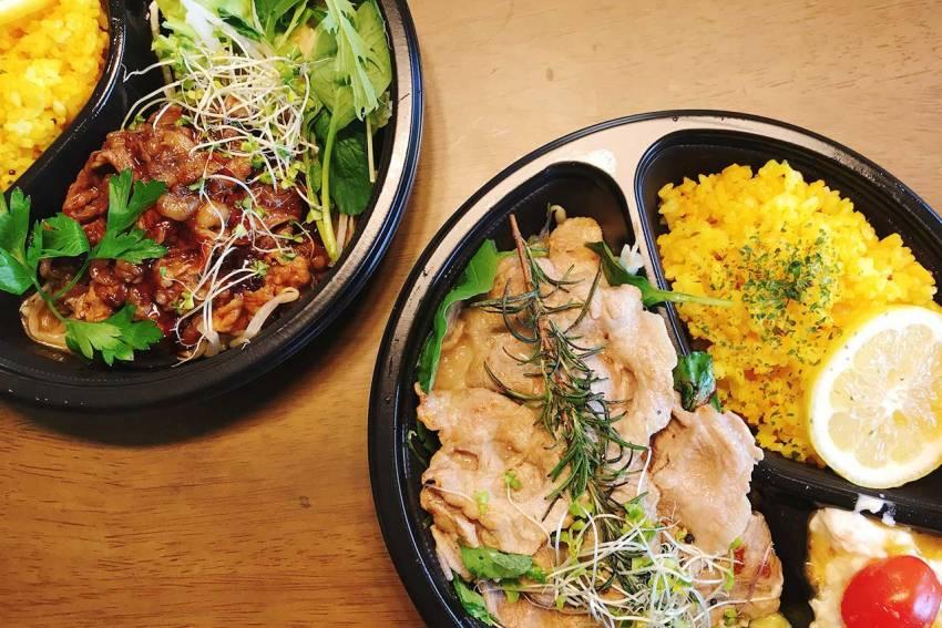 都賀のクリスタルヒーリングカフェはウーバーイーツ対応!野菜とお肉で大満足なランチプレートを早速頼んでみた!
