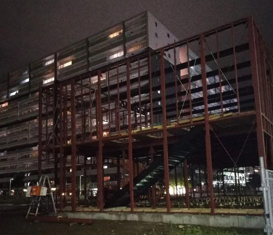 千葉ニュータウン中央駅北口で建設中01