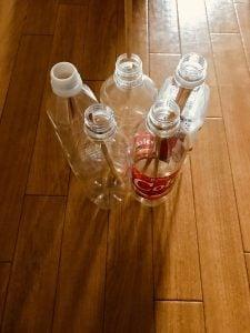 【高齢者(在宅介護)レクリエーション】割り箸を使って『5本ペットボトルダーツゲーム』