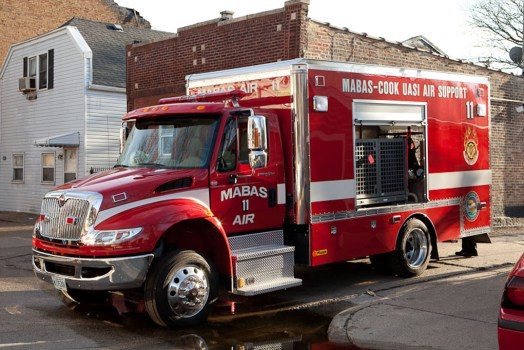 Berwyn Fire Department 2-11 alarm at 28th & Ridgeland 4-23-11 MABAS 11 Air Unit