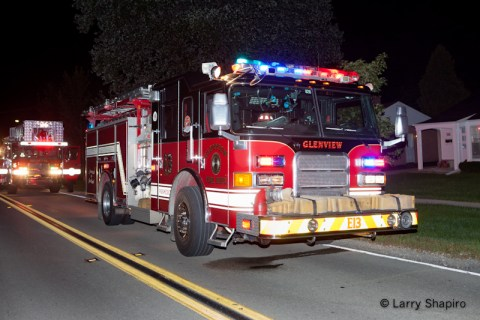 Northfield house fire on Wagner Road 8-28-11 Glenview Fire Department Engine 13
