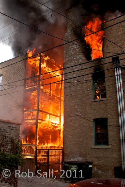 Chicago 3-11 alarm fire on Cornelia 8-27-11