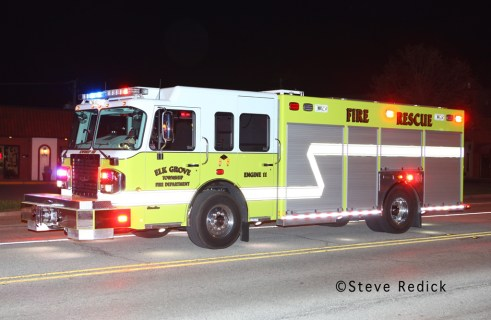 Wood Dale commercial fire on Irving Park Road 3-29-12 Elk Grove Township FPD Engine 11