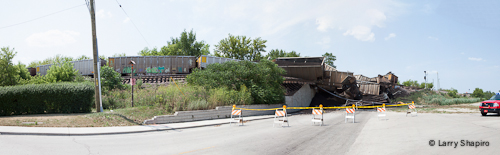freight train derailment in Northbrook 7-4-12