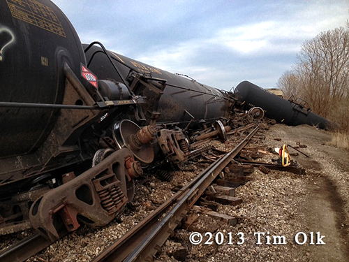 freight train derails on Chicago's southsude
