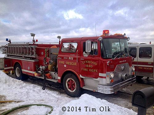 Mack CF fire engine photo