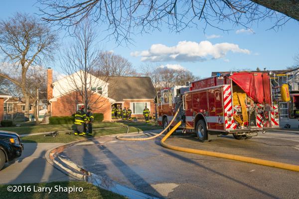Pierce Quantum fire engine at fire scene