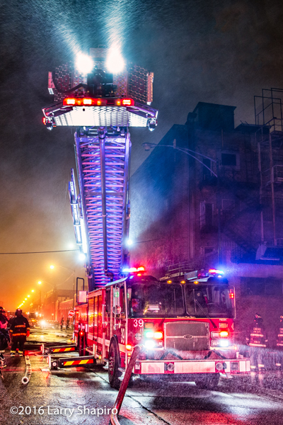Chicago FD E-ONE Tower Ladder 39 at night