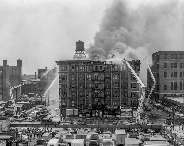 Chicago FD Hi-Ranger Snorkels at historic fire